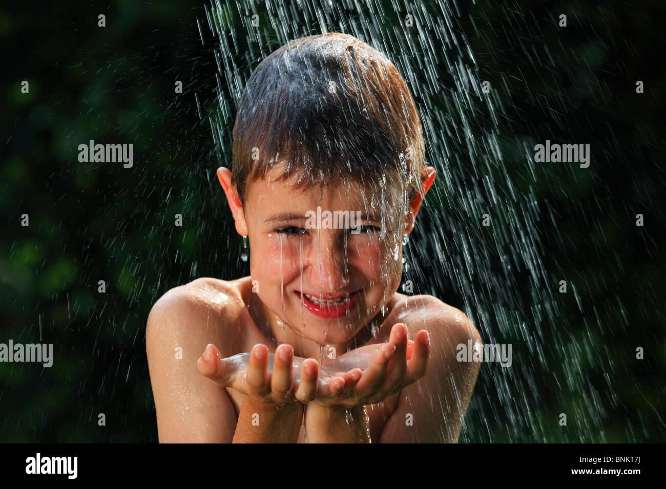 6 schwimmen Stämme Boy Dusche Erfrischung Freude Garten Hand Hände ...