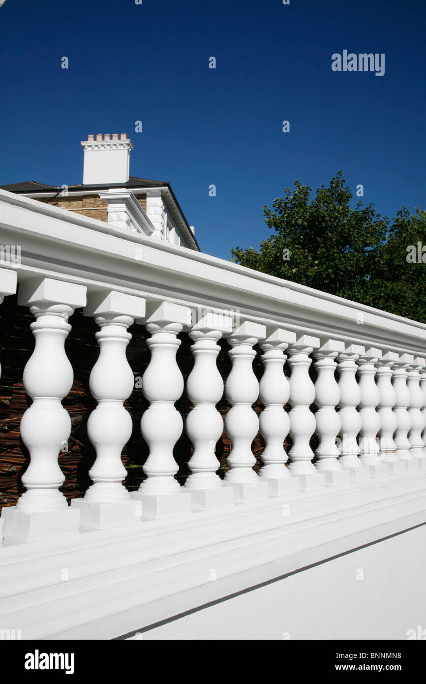 Balustrade wall in The Boltons, West Brompton, London, UK Stockbild