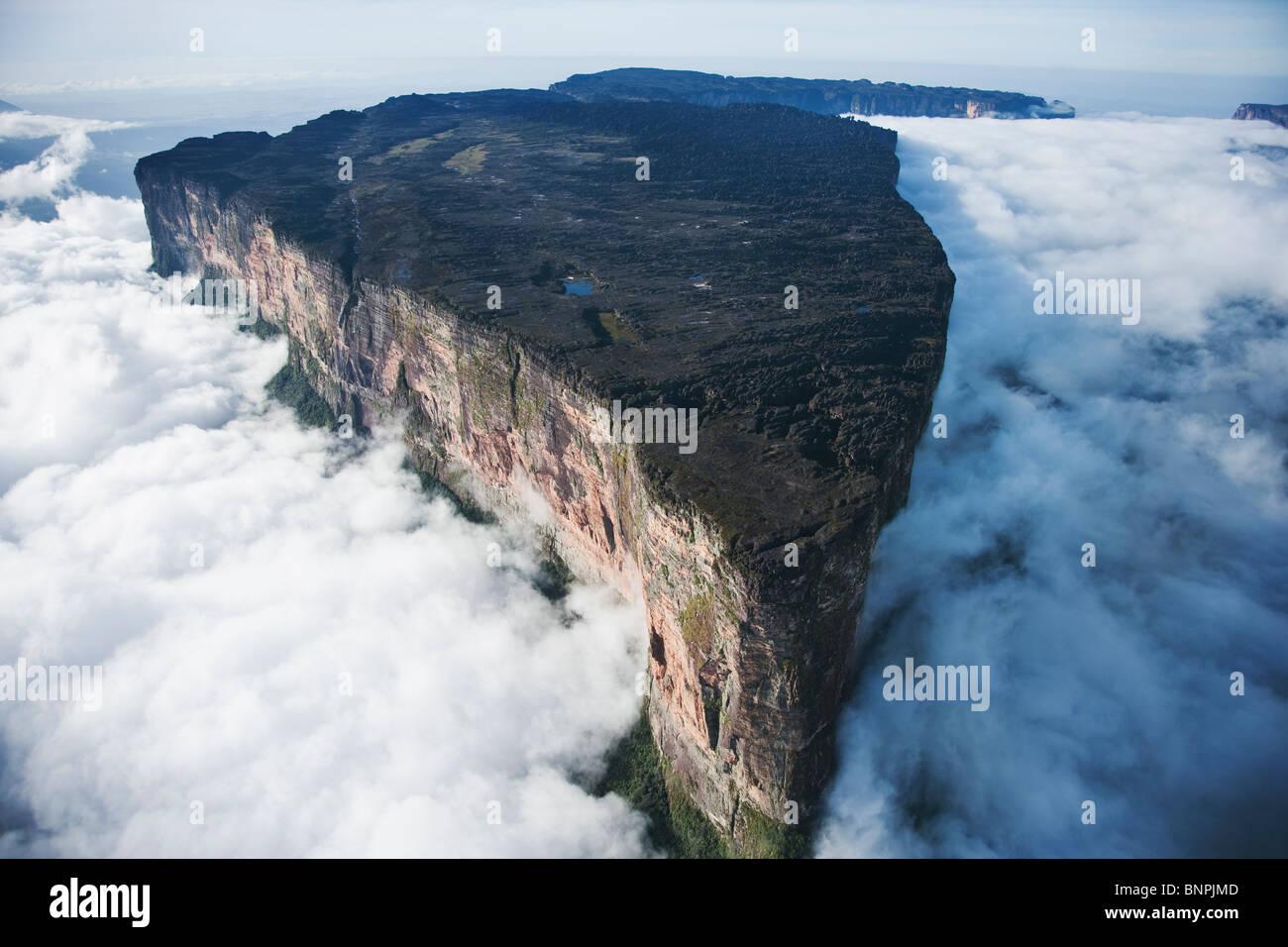 Mount Roraima Ist Die Hochste Tepui 2810 Metern Hohenunterschied