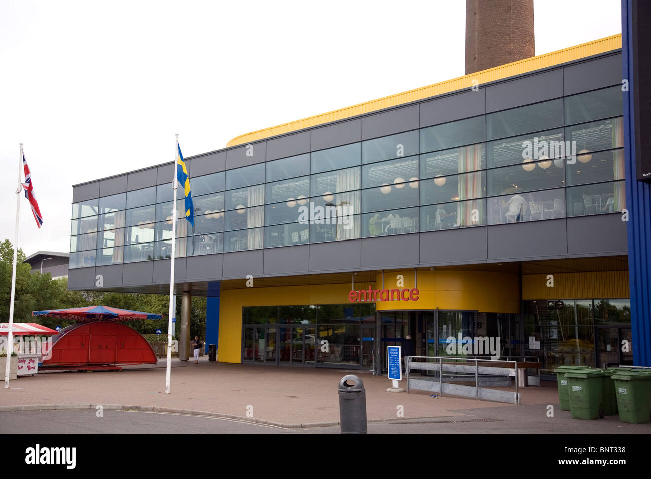 ikea store warehouse stockfotos ikea store warehouse bilder alamy. Black Bedroom Furniture Sets. Home Design Ideas
