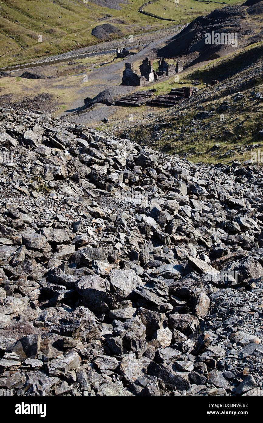 Verderben Sie Haufen Abfall Stein und Bergbau bleibt bei Cwmystwyth Bleiminen Ystwyth Valley Wales UK Stockbild