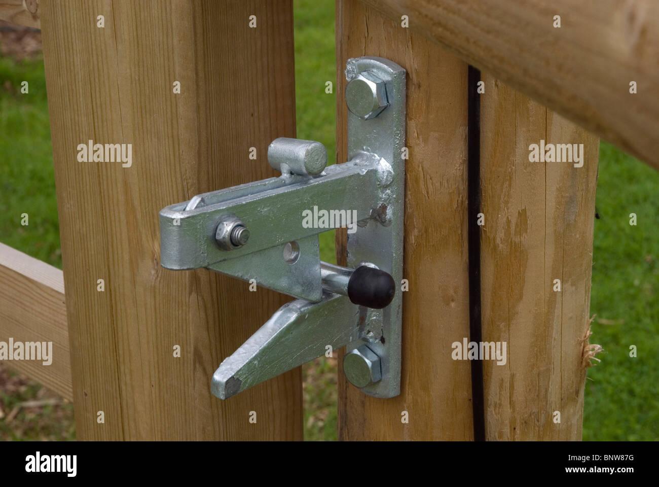 tor-verriegelung stockfoto, bild: 30673428 - alamy
