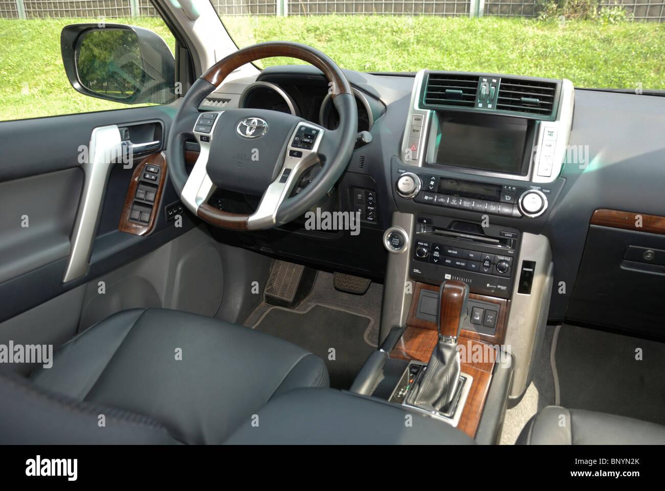Toyota LandCruiser 3,0 D - 4D 4 x 4 - meine 2002 (2010 FL) - weiß ...
