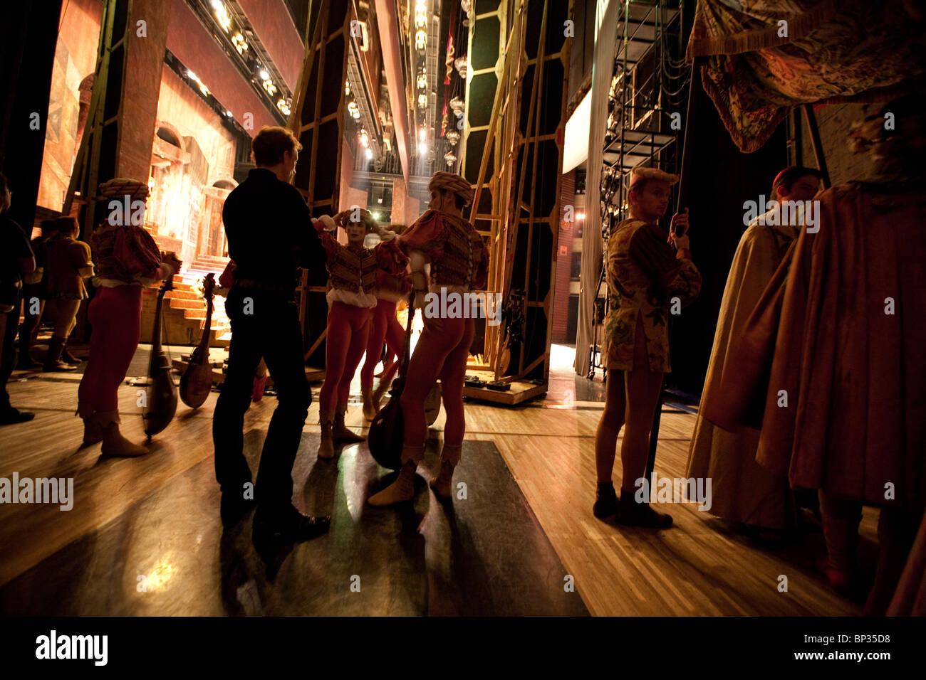 """Hinter den Kulissen im Theater Flügel mit """"Romeo und Julia"""" durchgeführt vom Royal Ballet, in Stockbild"""