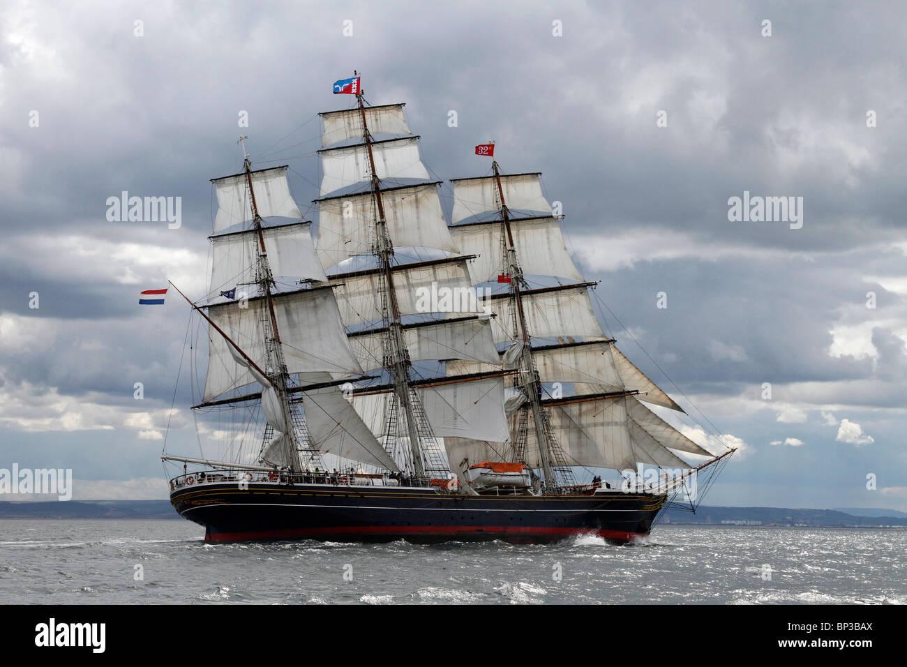 Segelschiffe auf dem meer  Stad Amsterdam am Meer, eine Fahrt unter Segeln square Segeln ...
