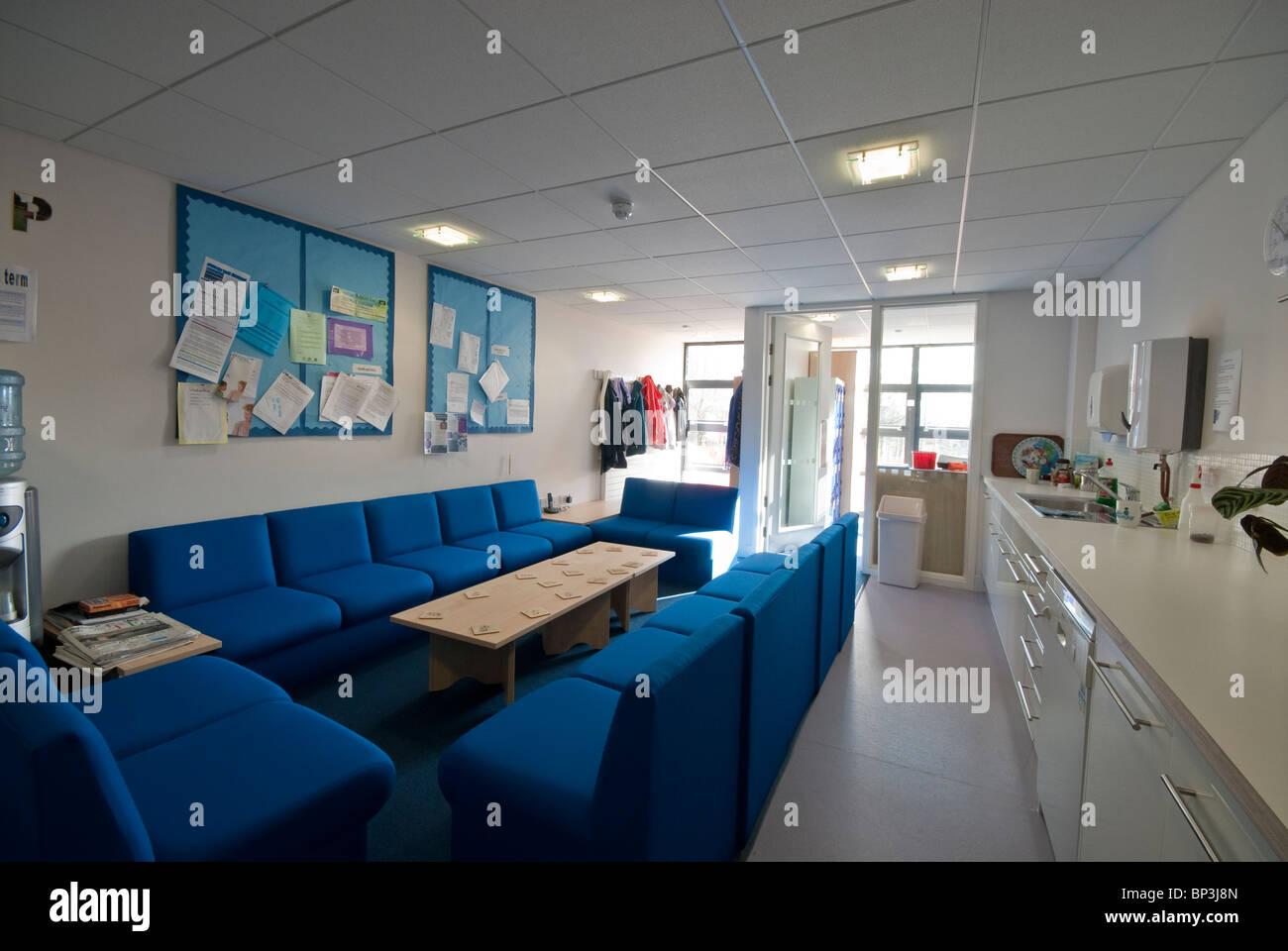 Römischen Weg Grundschule Andover Lehrer Aufenthaltsraum Stockbild