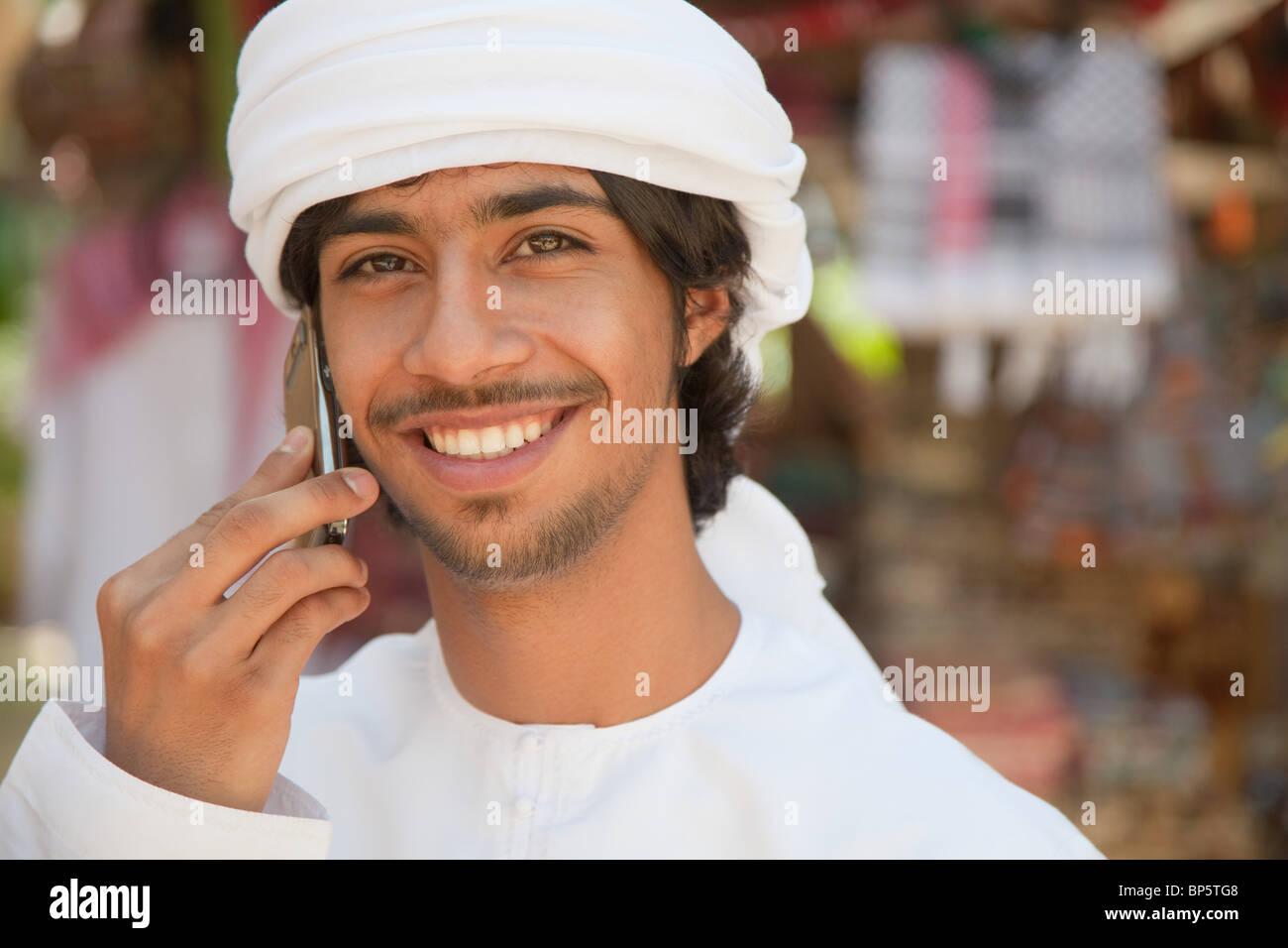 Nahen Ostens Mann mit Handy Stockbild