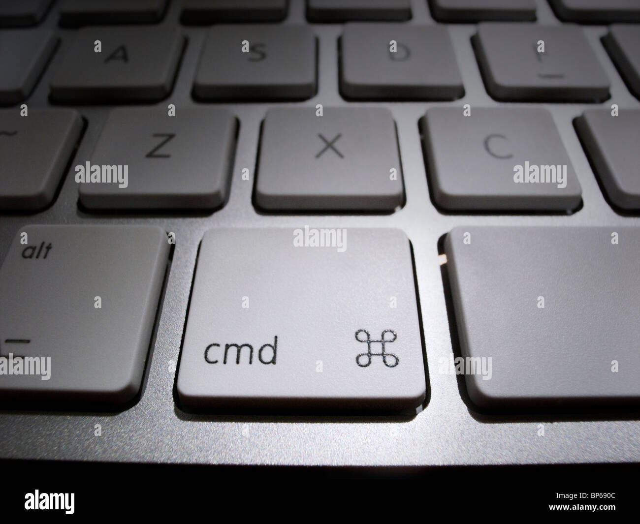 Nahaufnahme der Befehlstaste auf iMac Tastatur Stockbild