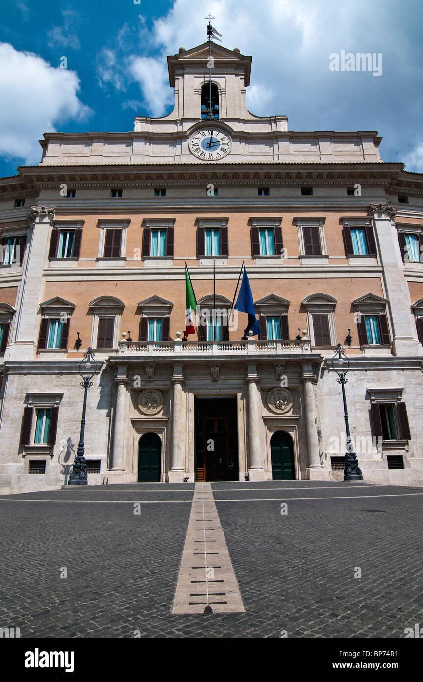 Palazzo Montecitorio, Sitz der italienischen Abgeordnetenkammer, Rom, Italien Stockfoto