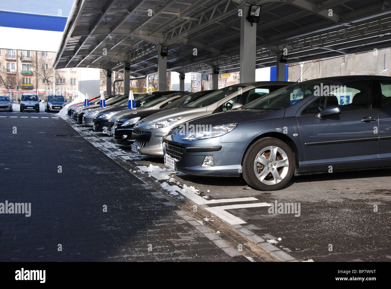 Autos Zum Verkauf In Zeile Peugeot Händler In Polen A Aleja