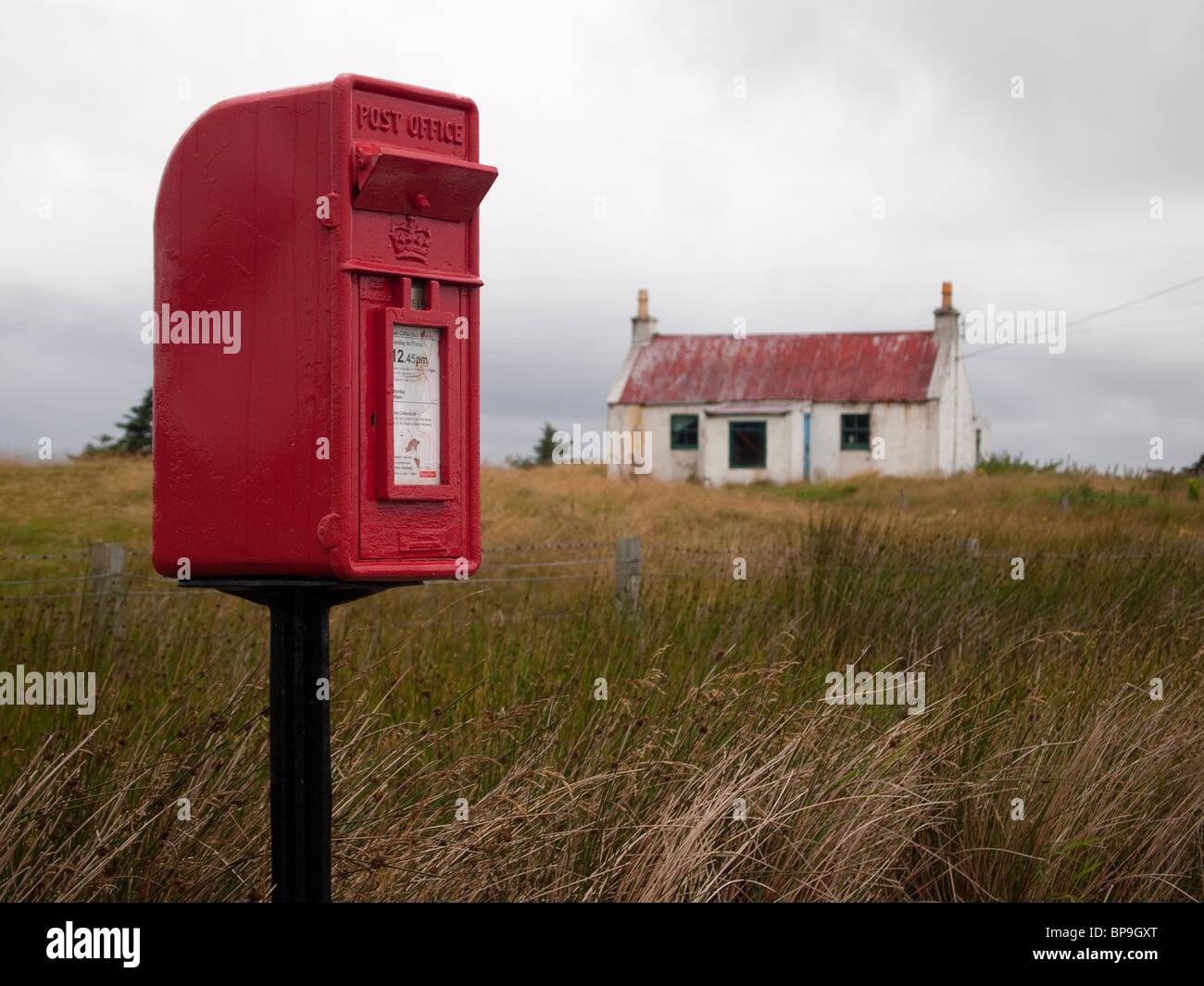 Alten Croft mit Briefkasten, North Uist Stockfoto