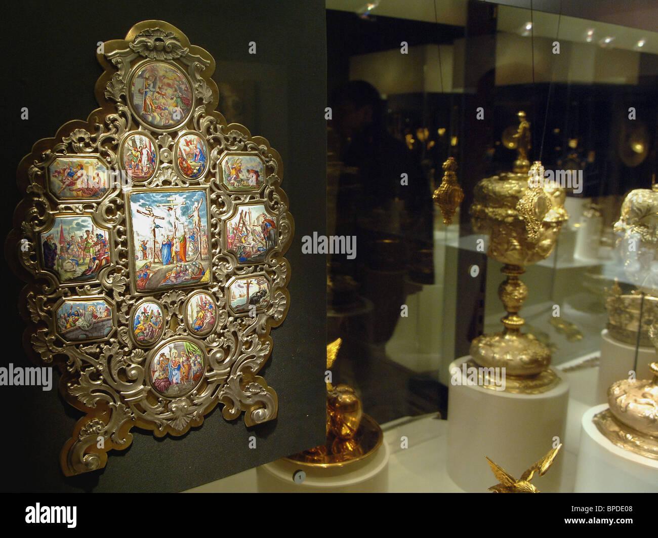 """Ausstellung mit dem Titel """"Gold: Metall der Götter & King of Metals in Moskau eröffnet Stockbild"""