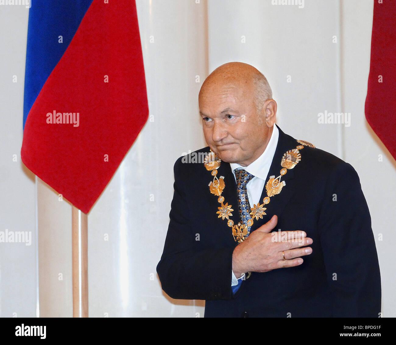 Yuri Luzhkov begibt sich auf seine fünfte Amtszeit als Bürgermeister von Moskau Stockfoto