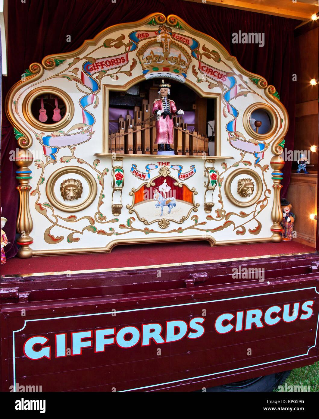 Alte traditionelle Drehorgel Zugehörigkeit zu Giffords Zirkus Stockbild