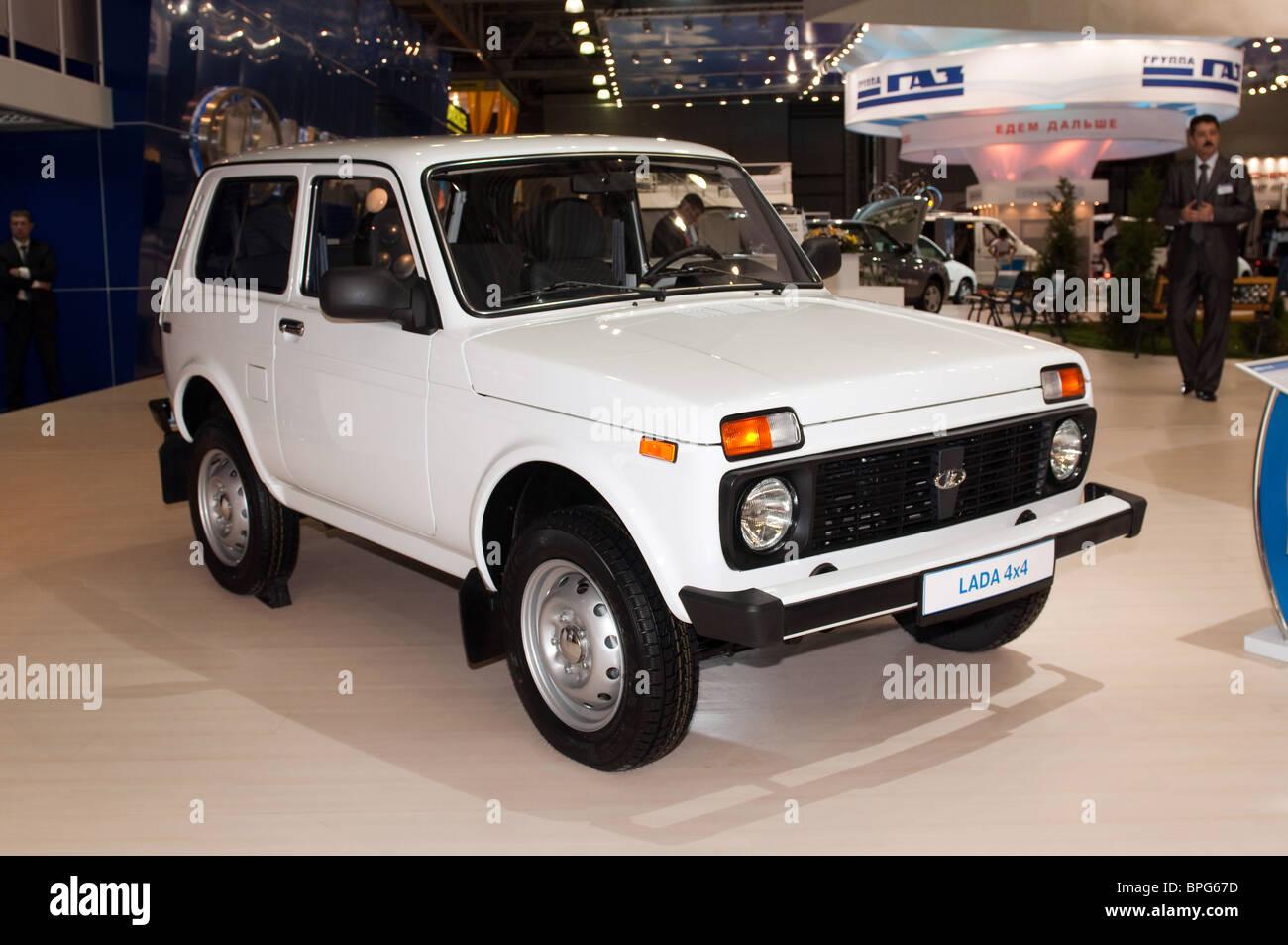 Moskau, Russland - 26 August: Moskau internationalen Automobil-Salon 2010. NIVA - legendäre russische Geländewagen Stockbild