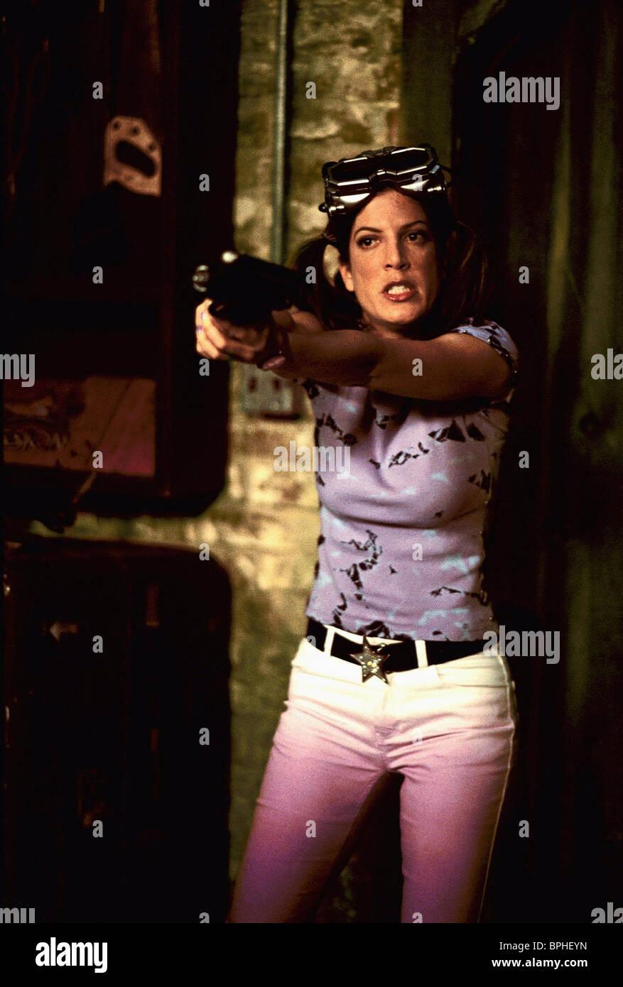 Scary Movie 2 2001 Tori Spelling Stockfotos & Scary Movie 2 2001 ...
