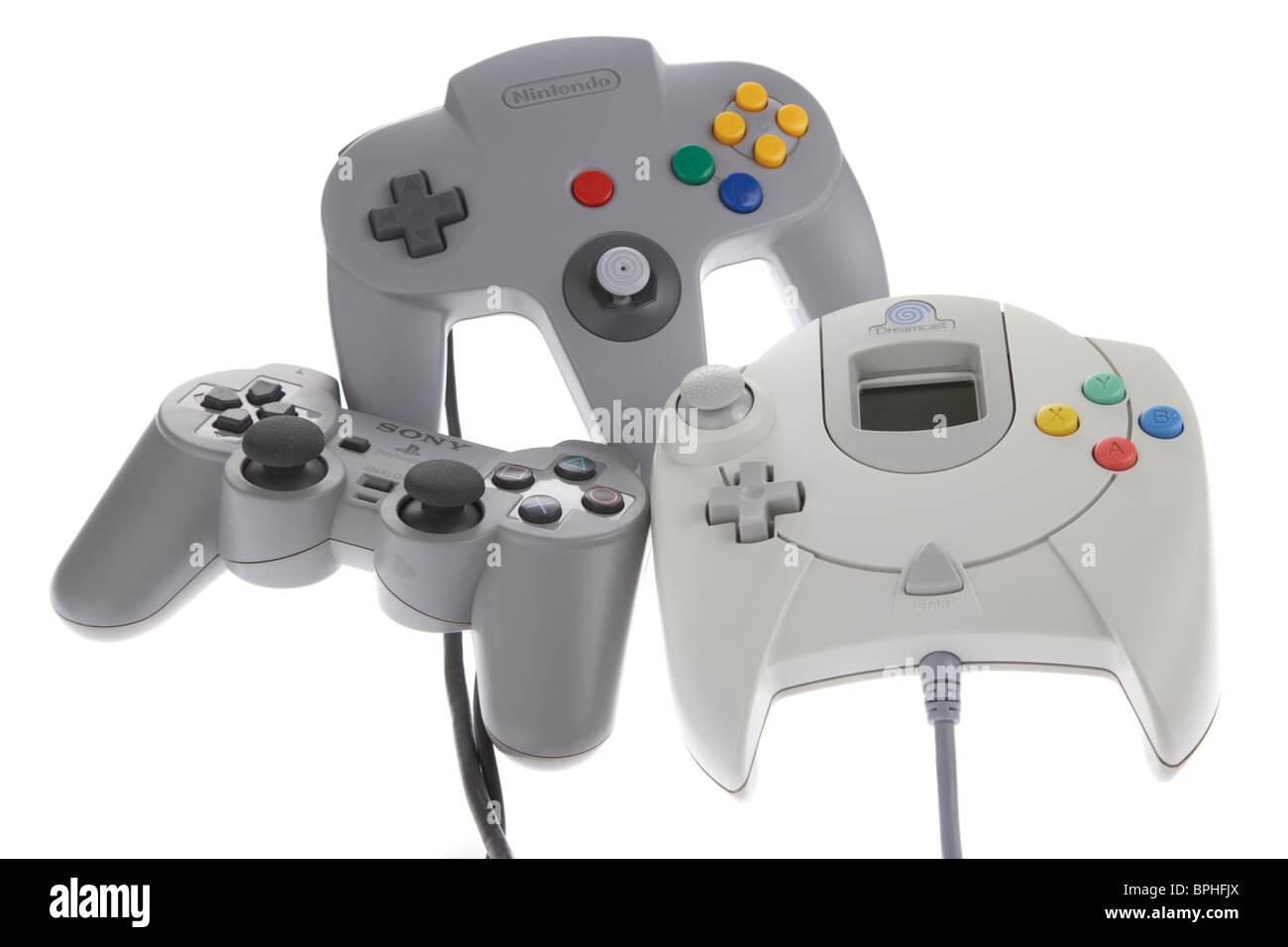 Original-Controller für verschiedene Konsolen aus den 90er Jahren einschließlich Nintendo 64 n64 Psone Stockbild