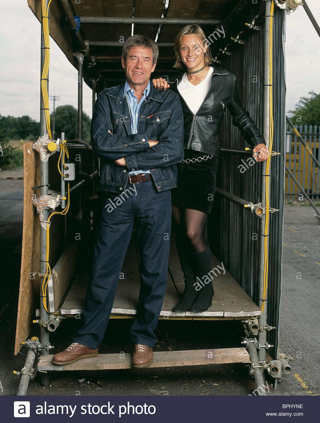 TIFF NEEDELL & VICKI BUTLER-HENDERSON 5TH GEAR (2002) Stockbild