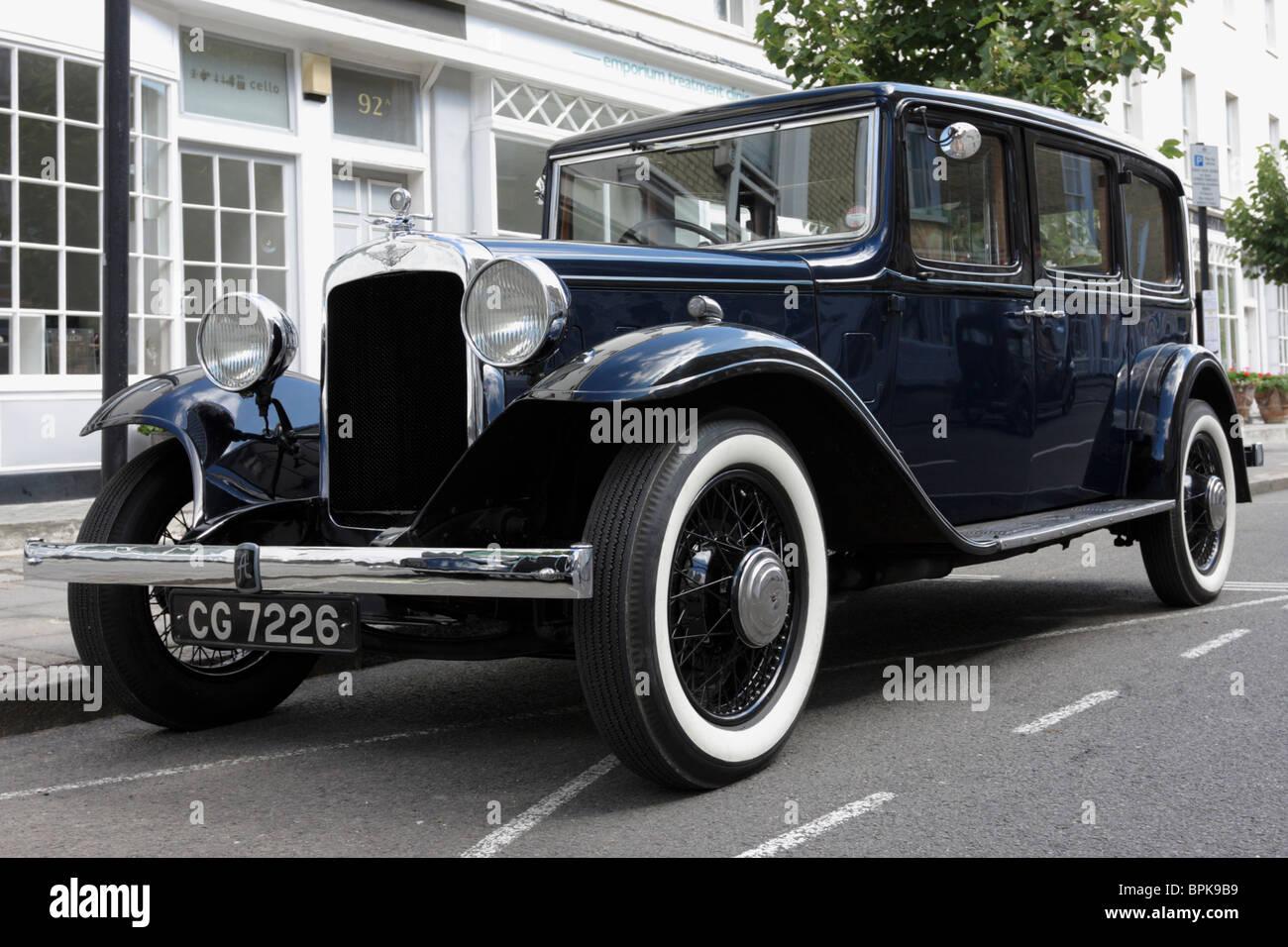 Wunderbares Beispiel für eine 1930er Fahrzeug, glaube ich, dass es eine zu große sechs Austin, verändern Stockbild