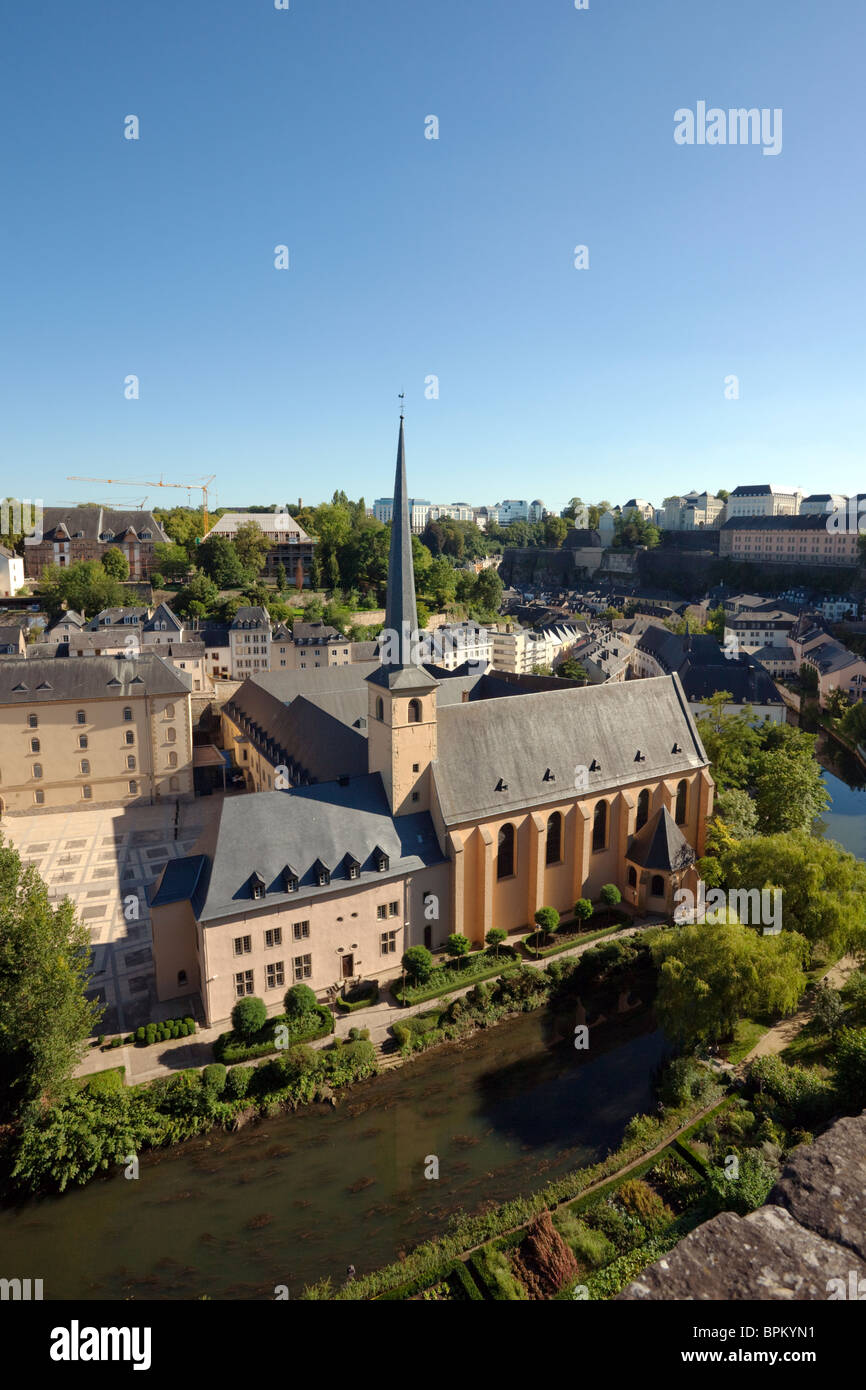 Johanneskirche, Saint Johns Kirche in Luxemburg Grund Viertel, neben Neumünster Abbey, am Fluss Alzette Stockbild