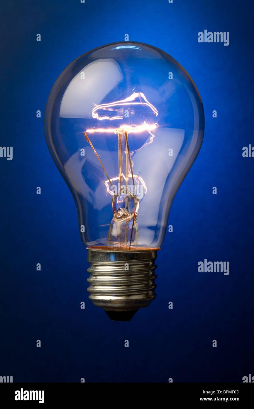 Leuchtende Glühbirne Nahaufnahme Schuss Stockbild