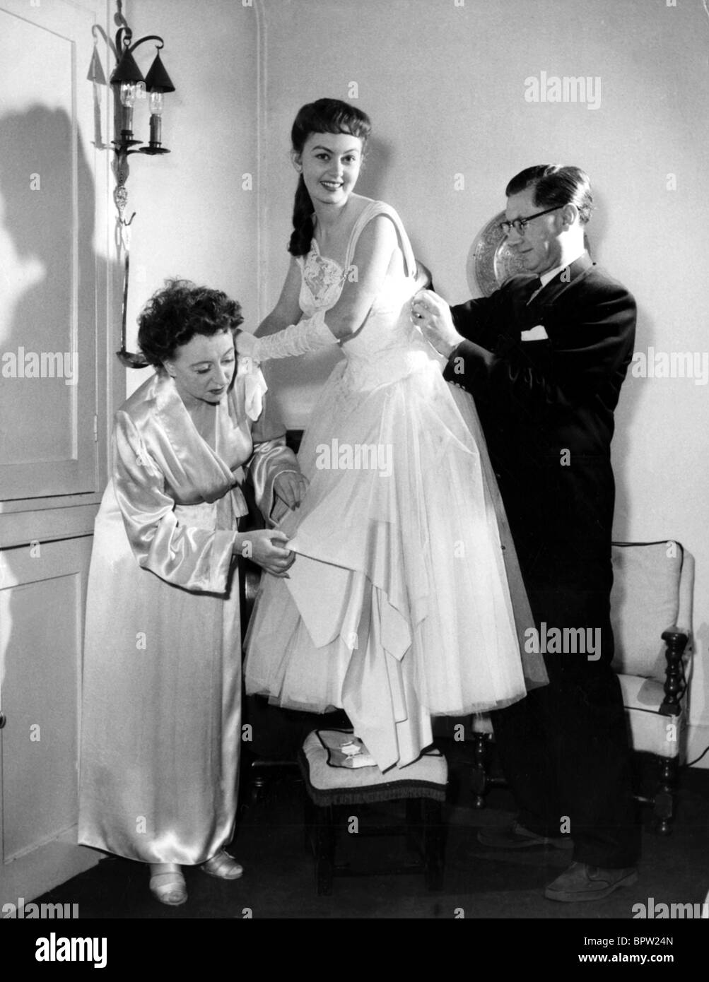 Thora Hird naked (99 photos), Sexy, Cleavage, Boobs, butt 2018