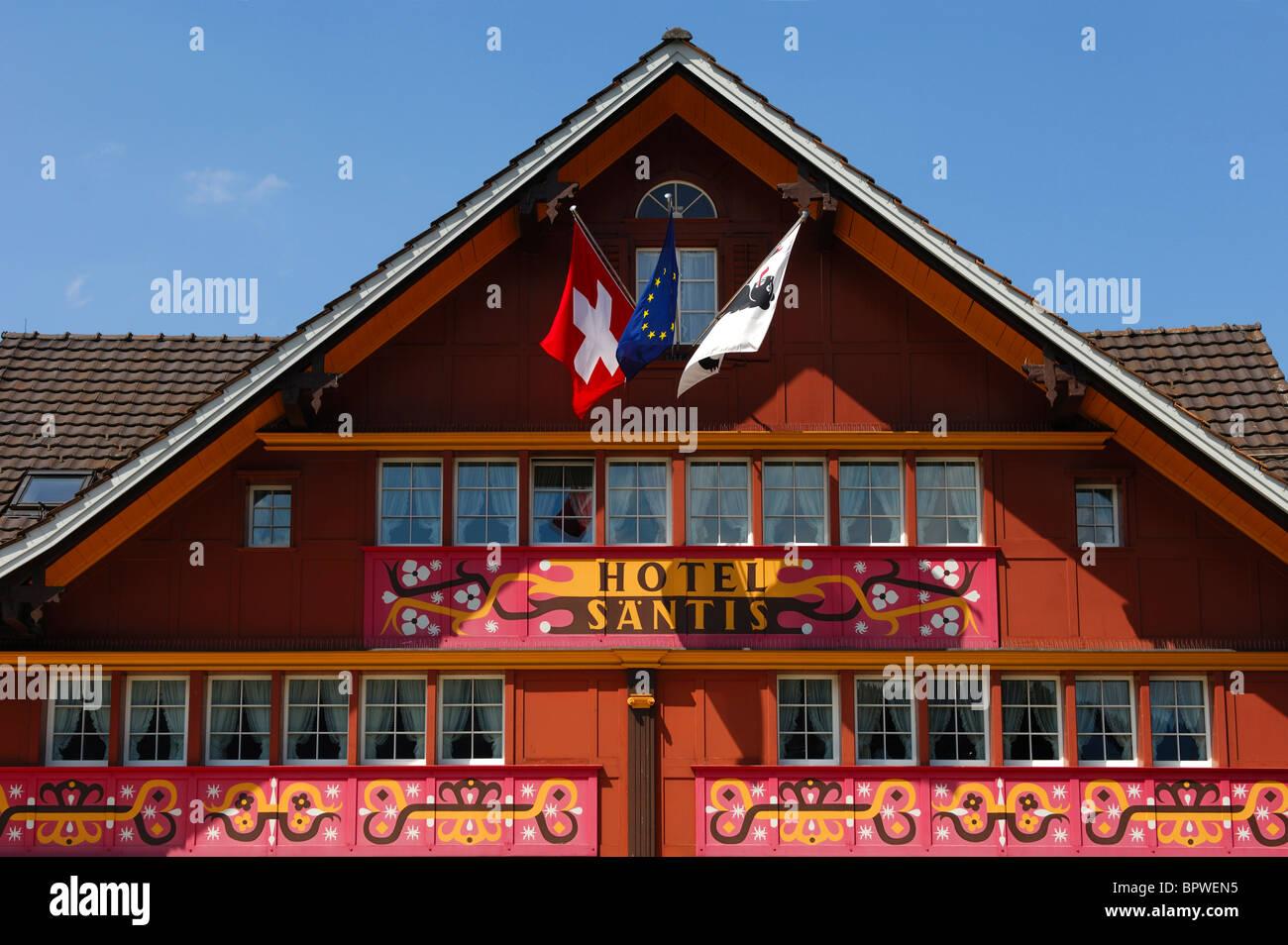 Romantik-Hotel Säntis mit seiner prächtigen Fassade, Appenzell, Schweiz Stockbild