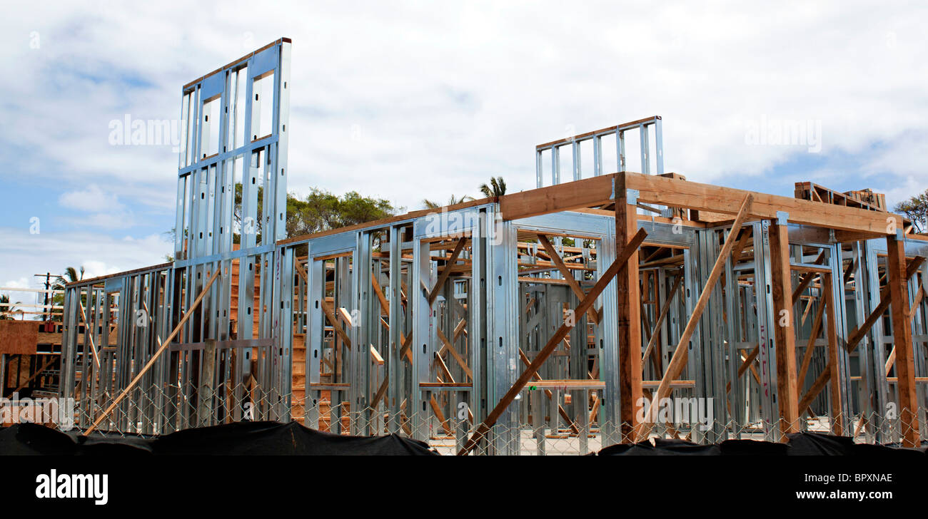 Haus im Bau mit Stahlrahmen Stockfoto, Bild: 31320310 - Alamy