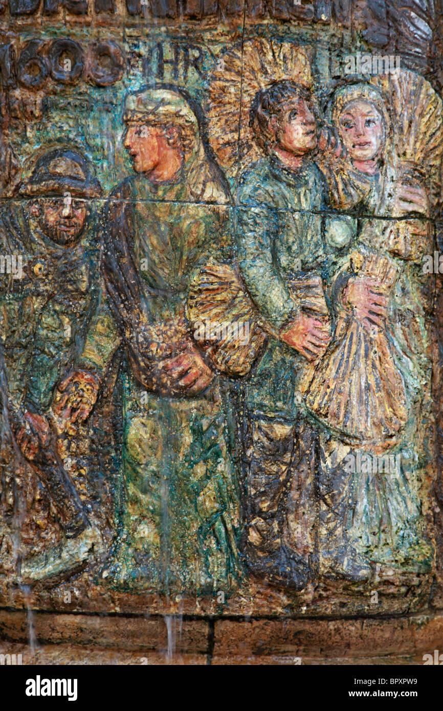 Brunnen am Alten Rathaus, Teilansicht Mit Figurengruppe, Dormagen, Niederrhein, Nordrhein-Westfalen Stockbild