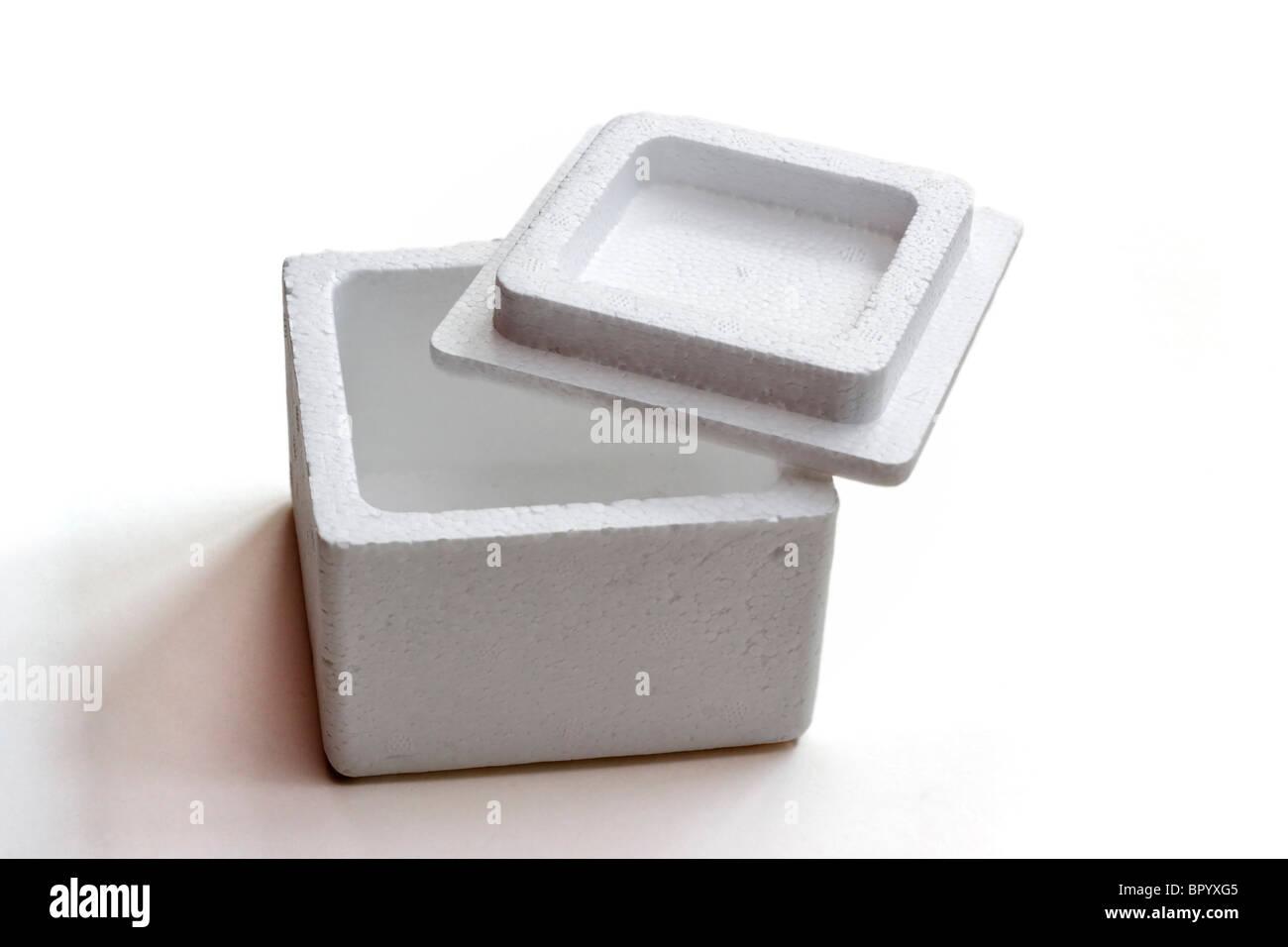 Leere Styropor-Box mit Deckel Stockbild