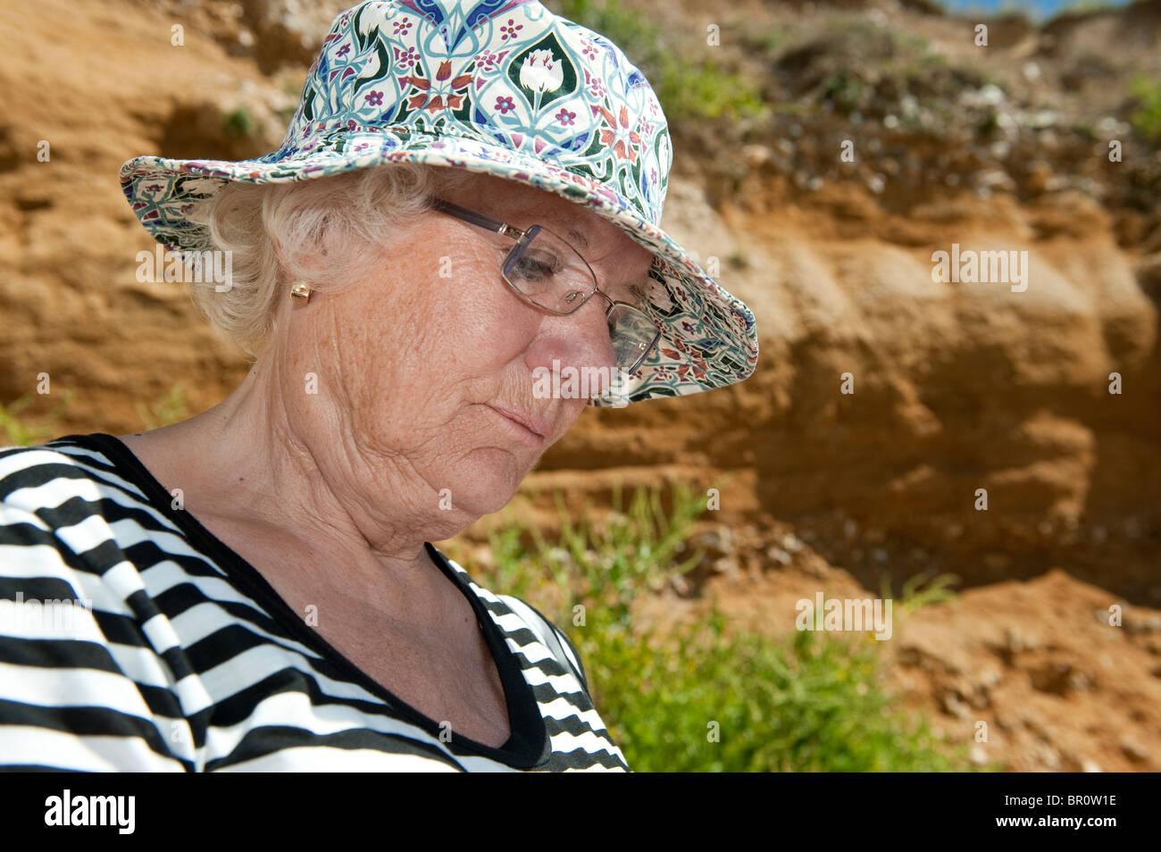 Suche ältere dame