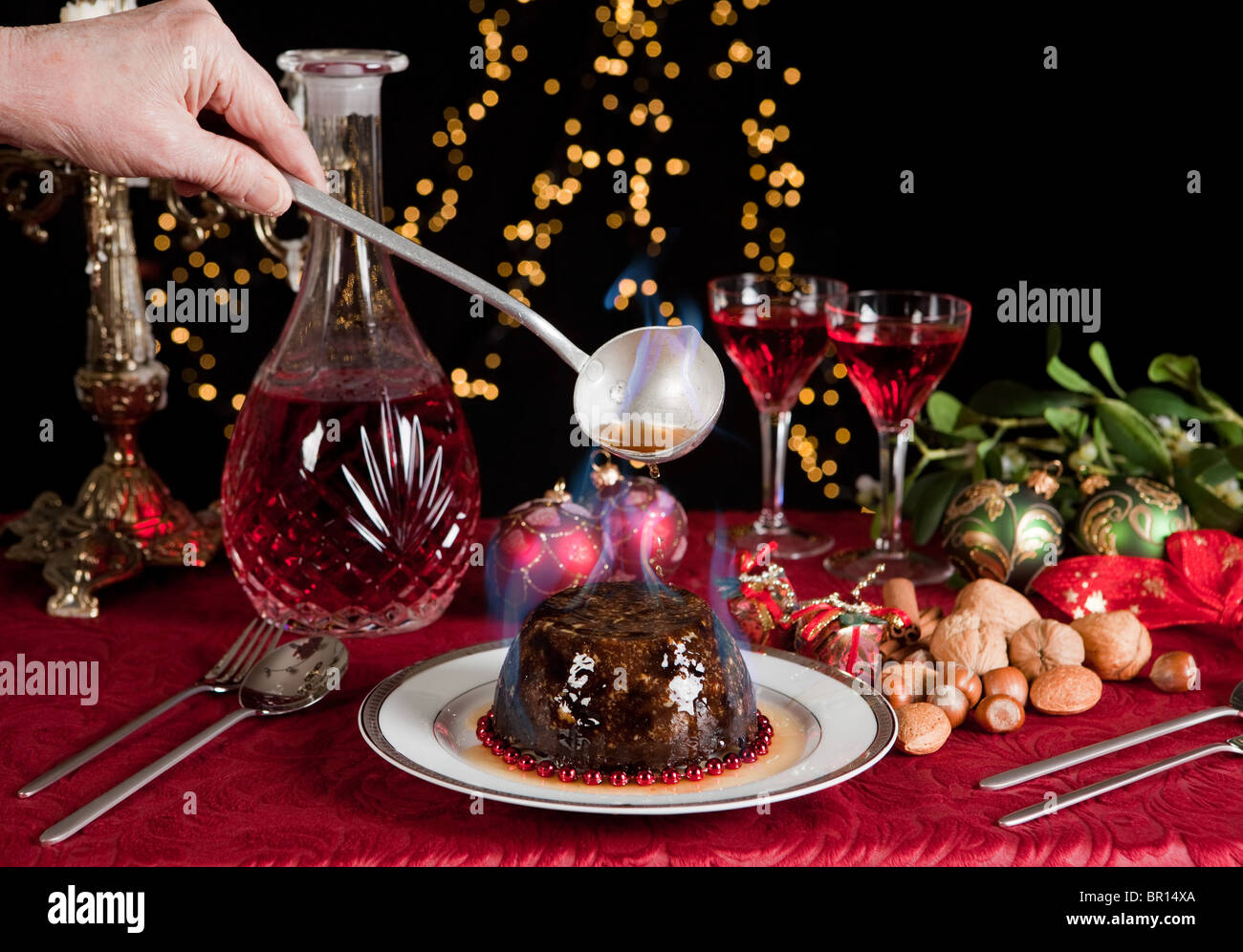 weihnachten tisch mit xmas pudding als nachtisch stockfoto bild 31373282 alamy. Black Bedroom Furniture Sets. Home Design Ideas