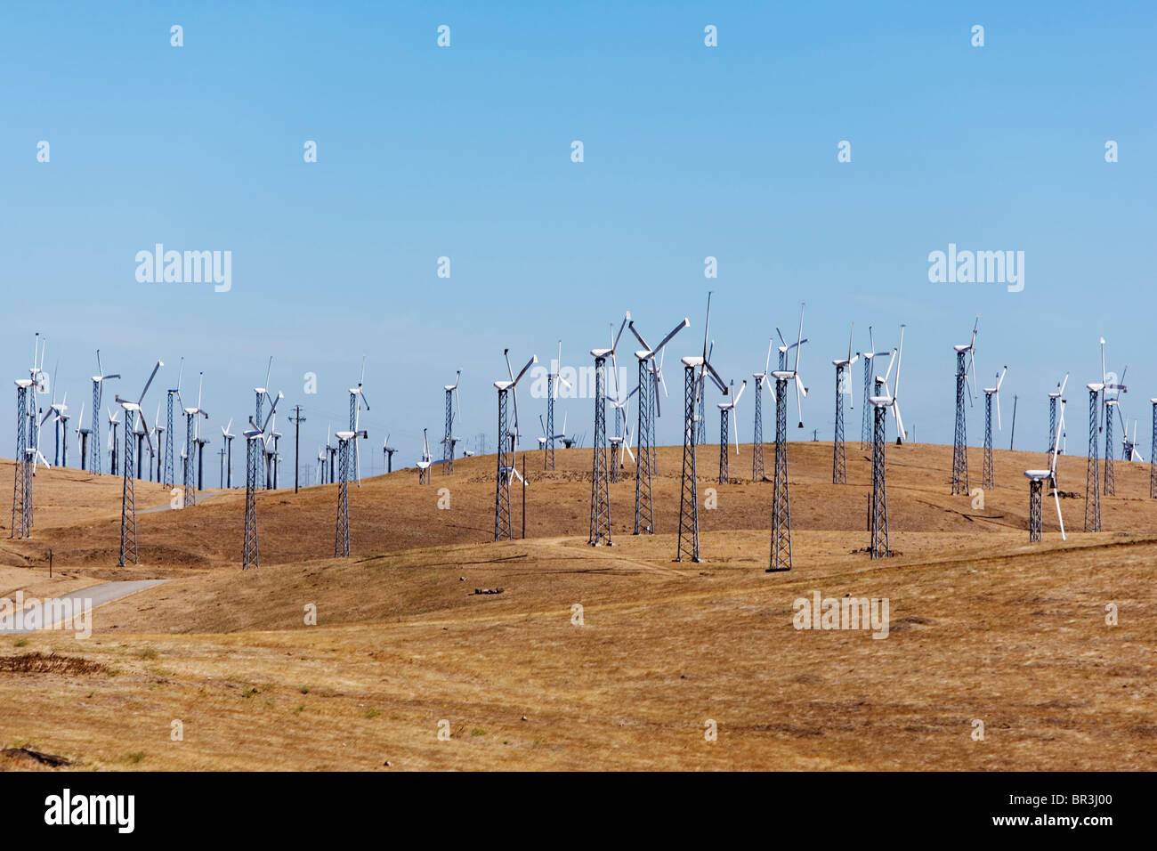 Windräder und Hügeln. Stockbild