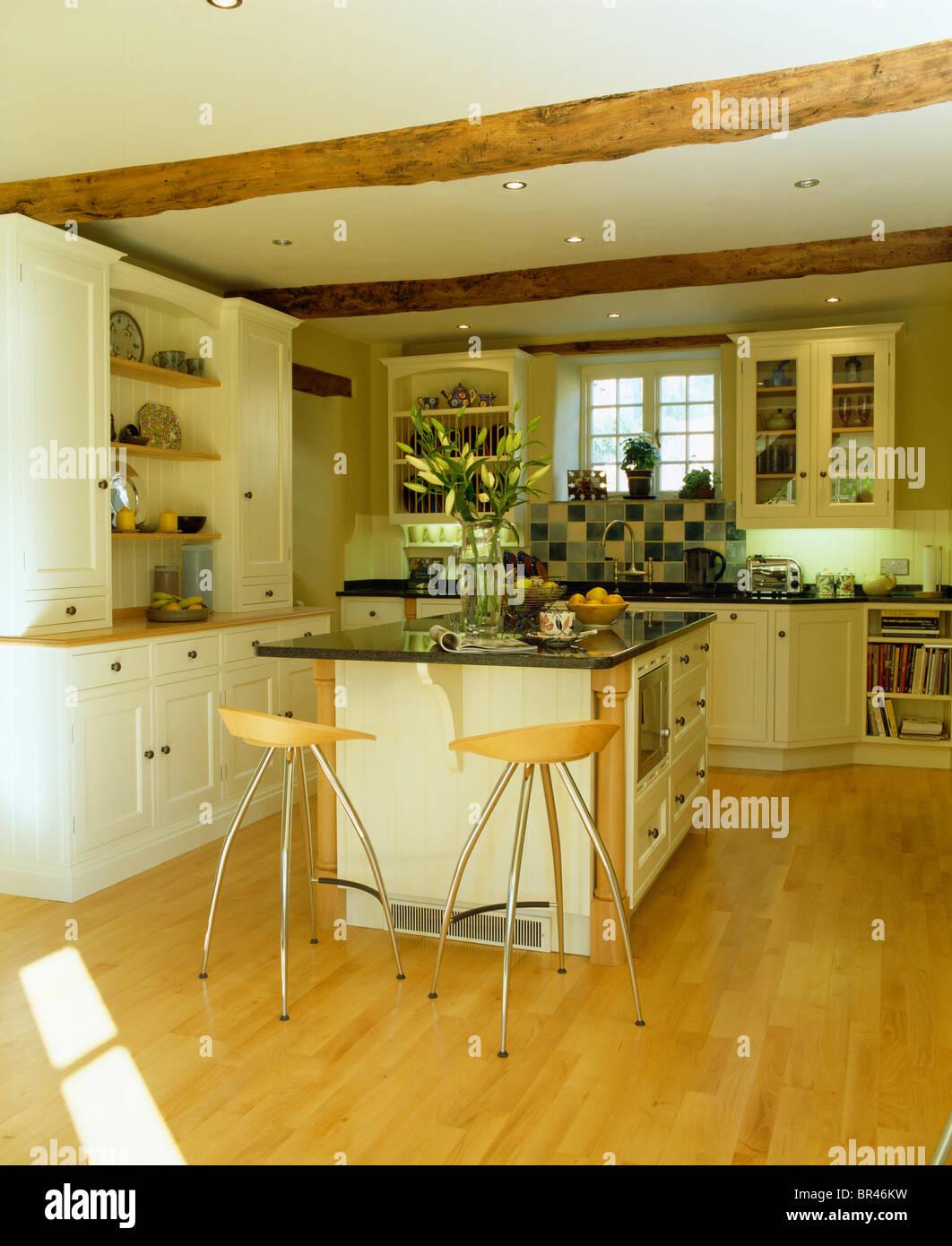 Interiors Modern Kitchens Island Units Stockfotos & Interiors Modern ...