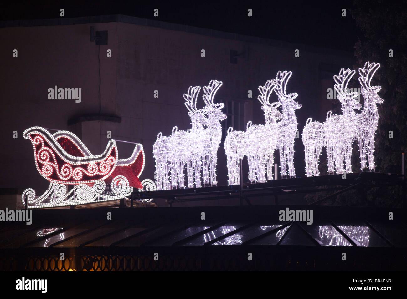 Weihnachtsbeleuchtung Schlitten.Outdoor Weihnachtsbeleuchtung Mit Schlitten Und Rentiere Des