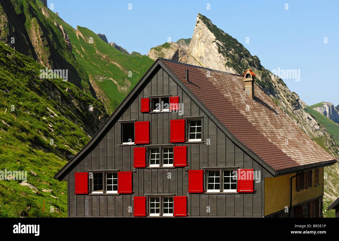Rückseite des Berggasthaus Mesmer, Weissbad, Alpstein Bergkette, Kanton Appenzell Innerrhoden, Schweiz Stockbild