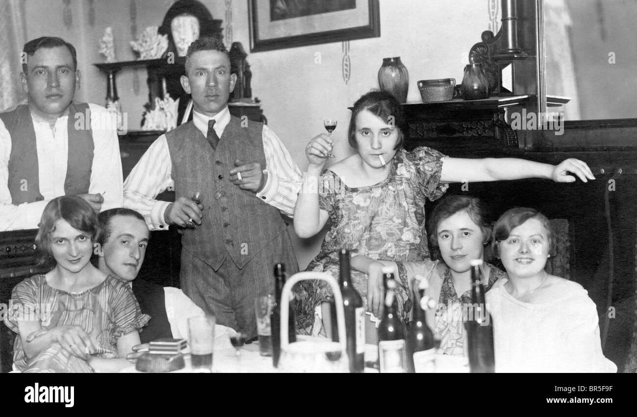 Historisches Foto, coole Familie, um 1923 Stockbild