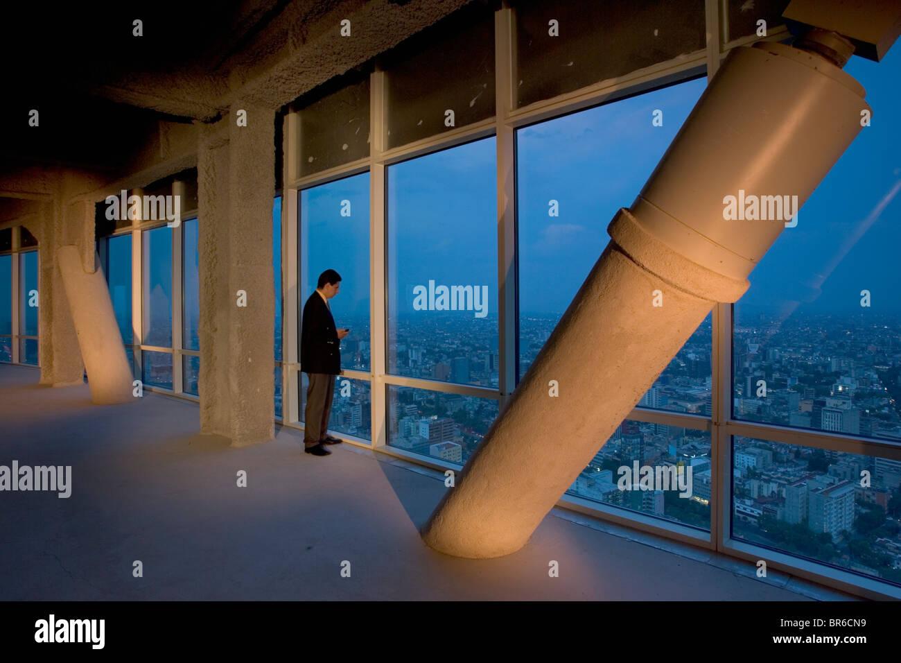 Seismische Dämpfer in Torre Mayor, Mexiko-Stadt zu bauen. Stockbild