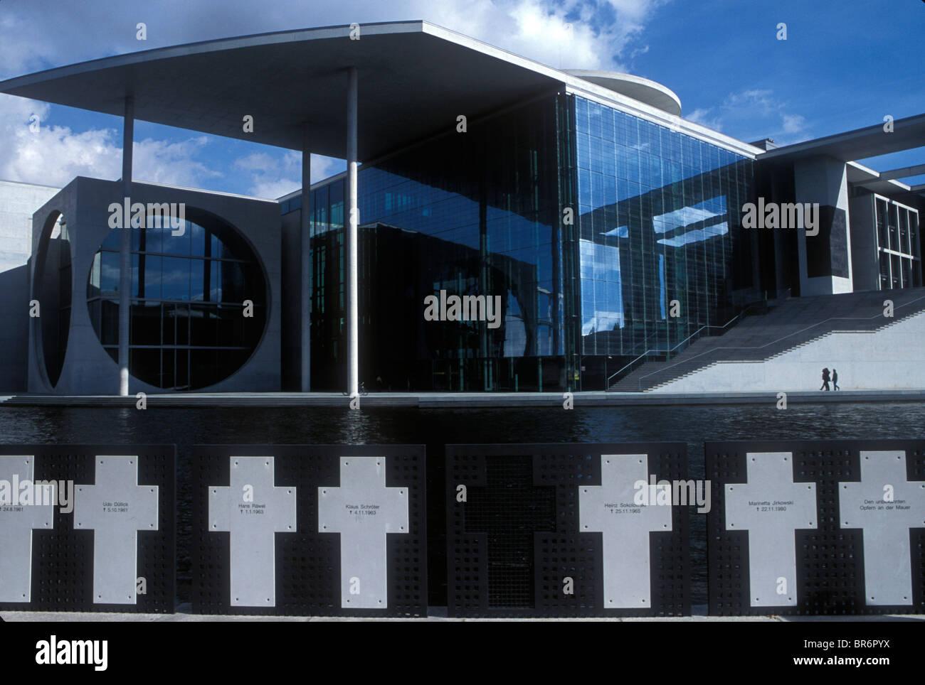 Berlin - Gedenkstätten für Flüchtlinge, die Ost-Berliner Fluchtversuch erschossen. Stockbild