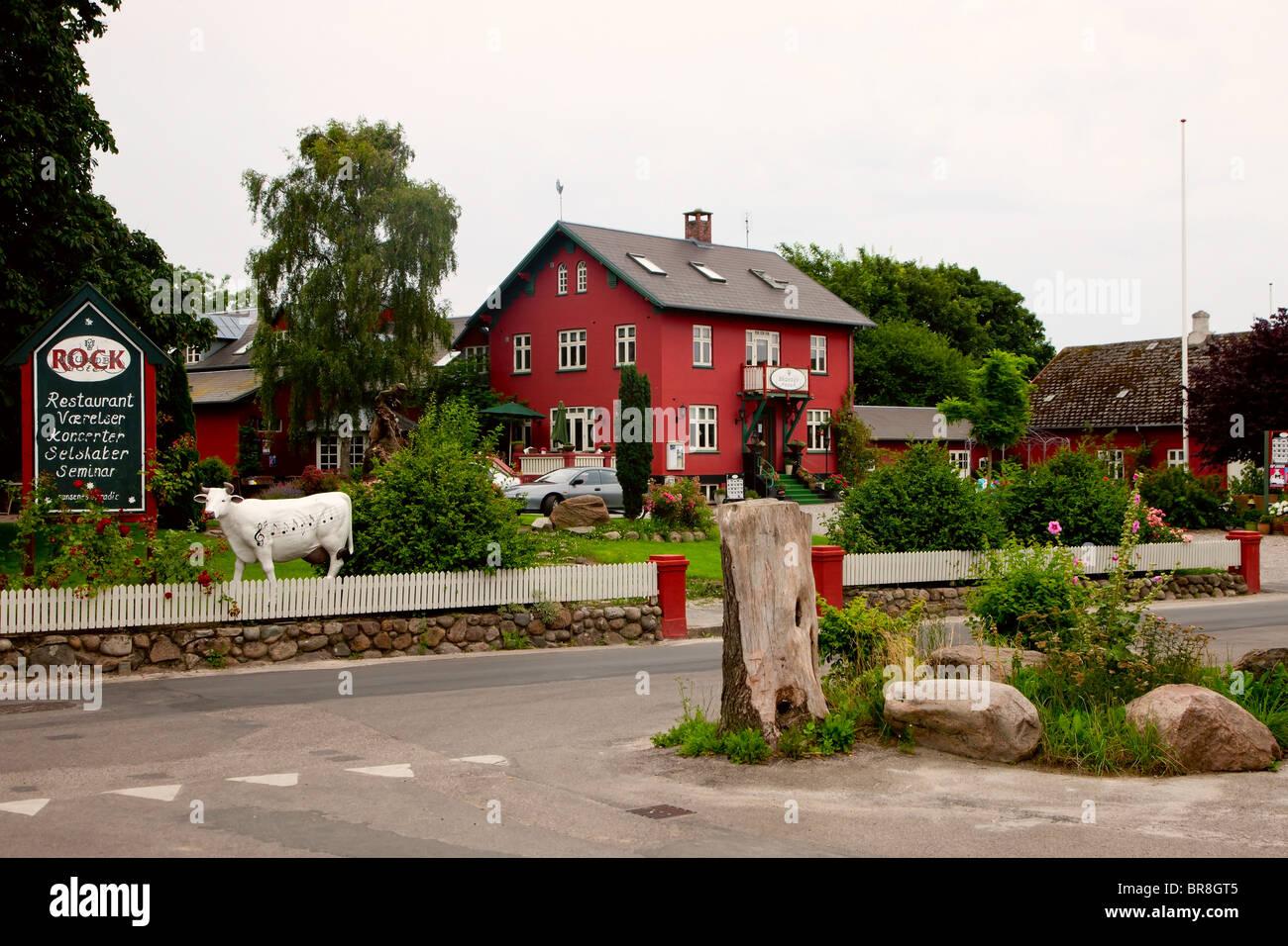 Das berühmte Brundby Rock Hotel auf Samsø-Dänemark Stockbild