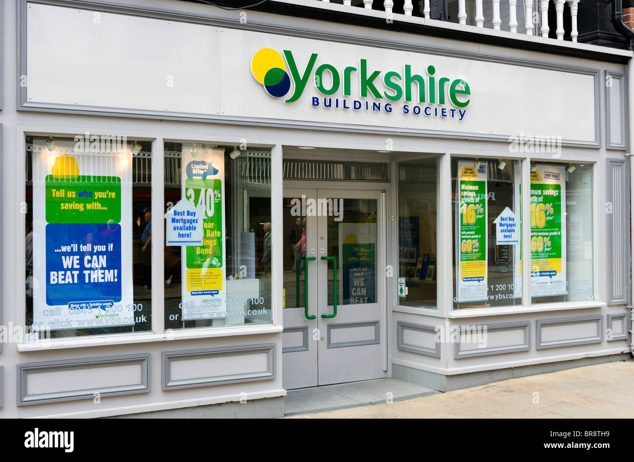 Yorkshire Building Society Niederlassung in Chester Stadtzentrum, Cheshire, England, UK Stockbild