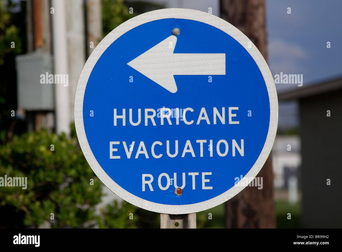Hurrikan Rettungsweg Schild in blau Stockbild