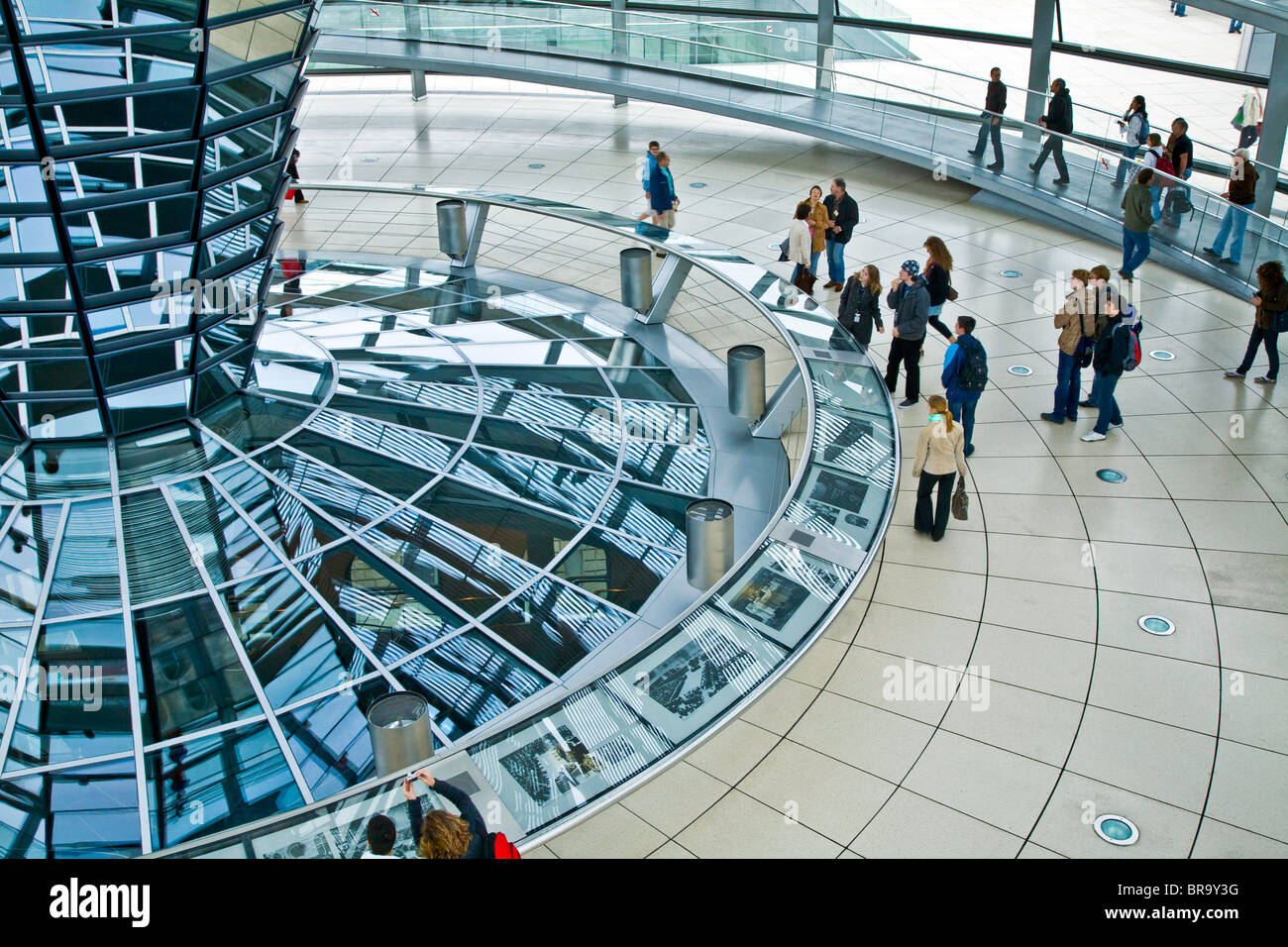 Berlin; Deutschland; Europa; Berliner Reichstag Kopula in der deutschen National-Hauptstadt Berlin Stockbild
