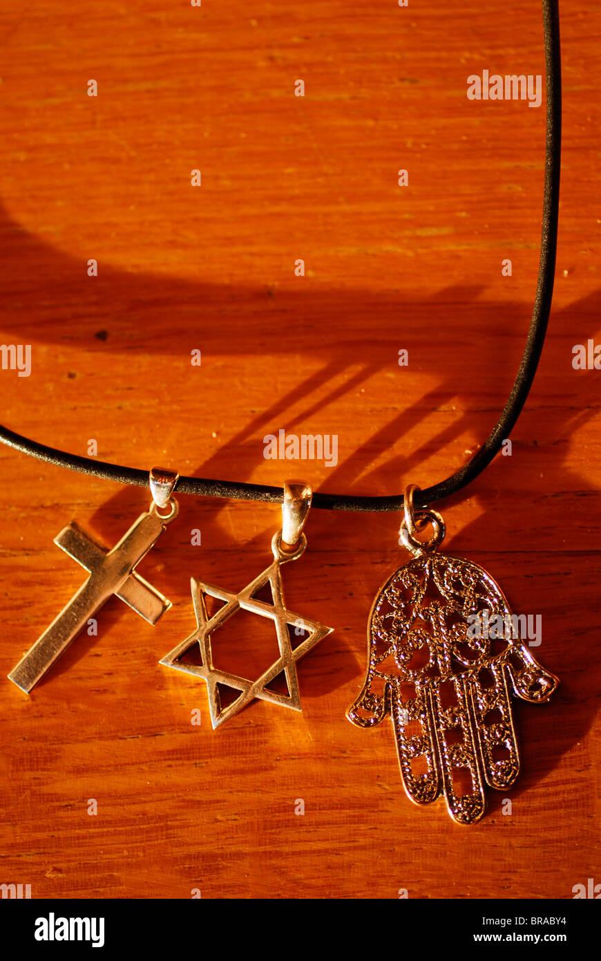 Symbole für die drei monotheistischen Religionen, Paris, Frankreich, Europa Stockbild