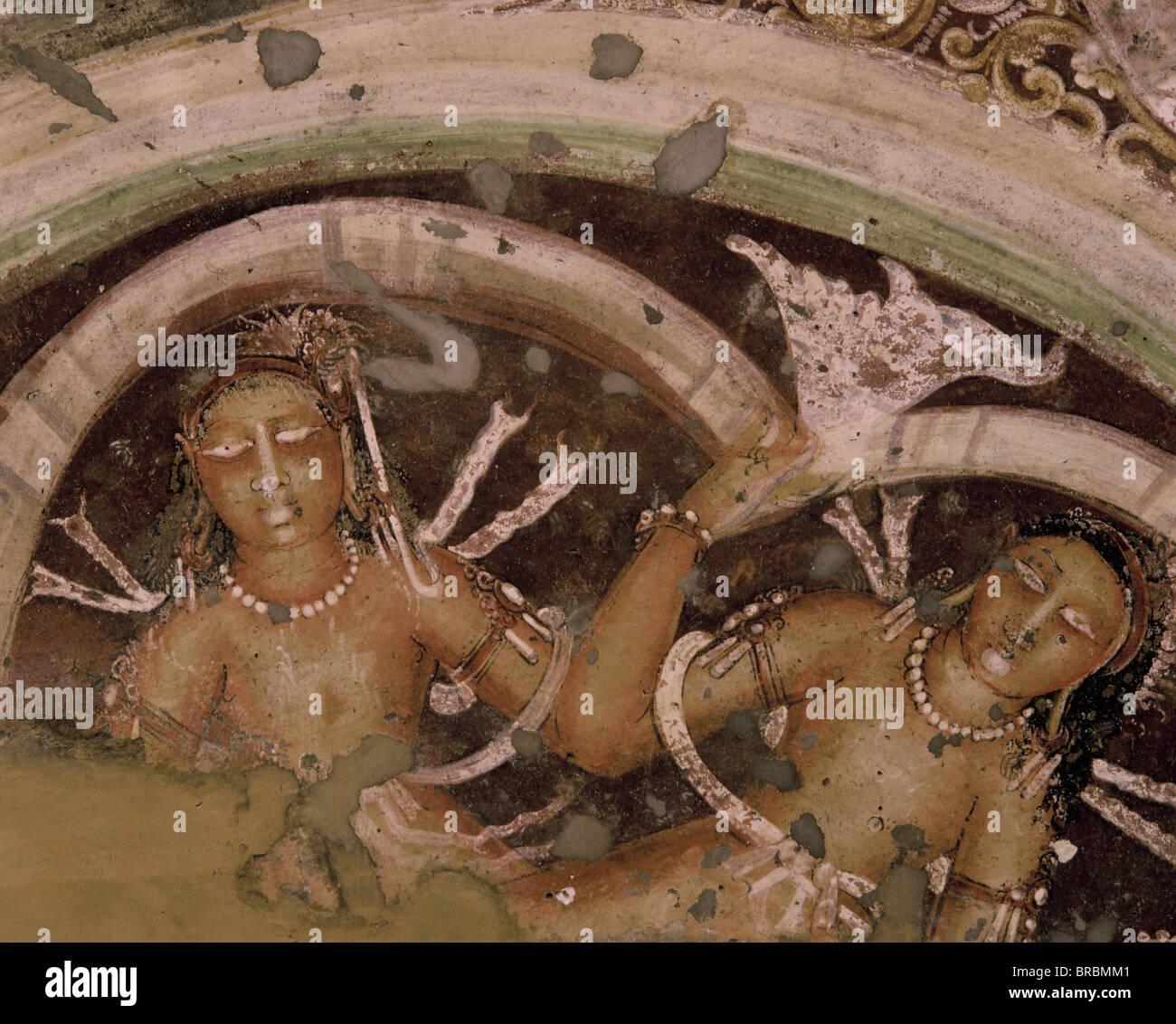 Detail der Wandgemälde an der Decke im Inneren der Höhle Nr. 17, Ajanta, UNESCO-Weltkulturerbe, Maharashtra, Stockbild