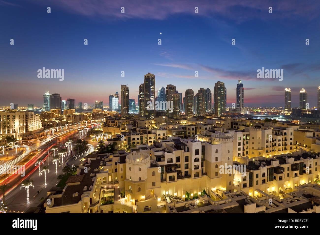 Das Palace Hotel auf dem Gelände des Burj Khalifa Park in Richtung der hohen betrachtet erhebt sich der Bereich Stockbild