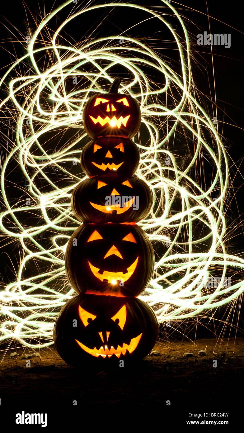 scary halloween faces stockfotos scary halloween faces bilder alamy. Black Bedroom Furniture Sets. Home Design Ideas