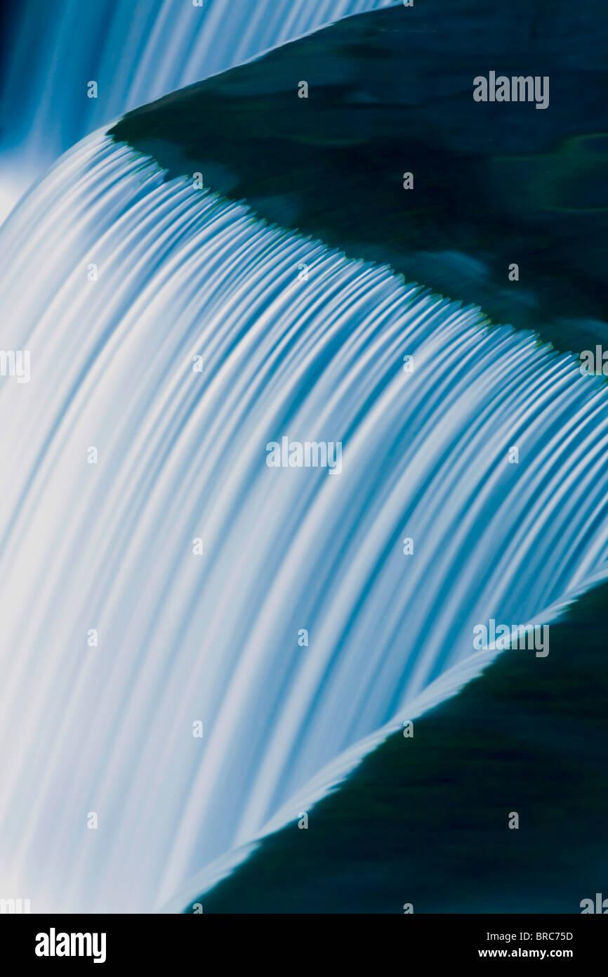 Wasserfall hautnah Stockbild