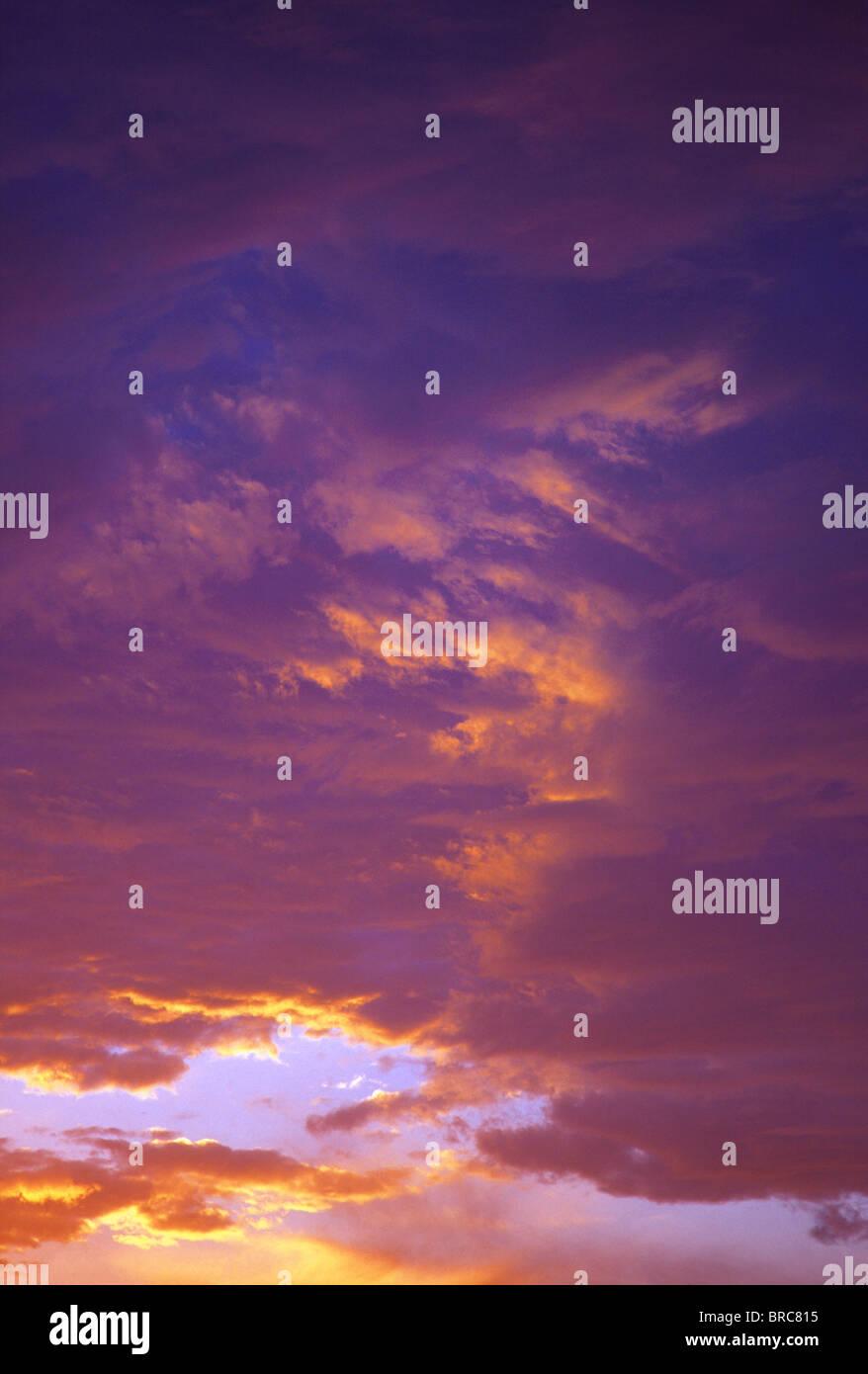 Wolken bei Sonnenuntergang in Big Bend Nationalpark, Texas, USA. Stockbild