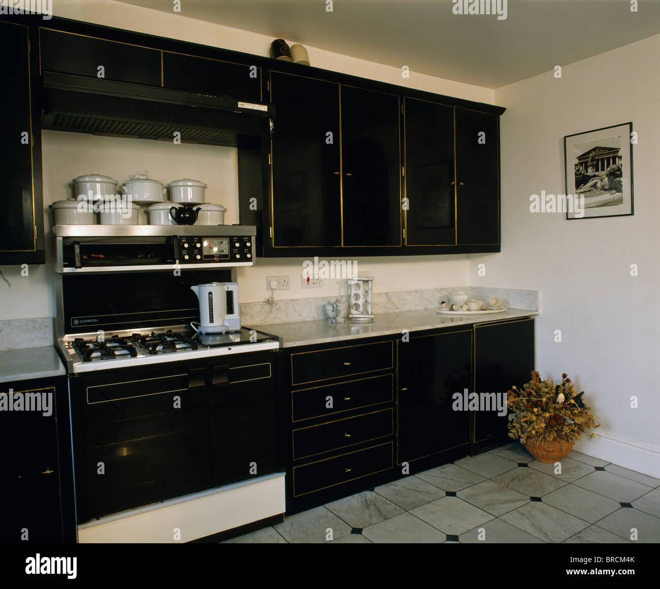 Appliance Black Monochromatic Oven Stockfotos & Appliance Black ...